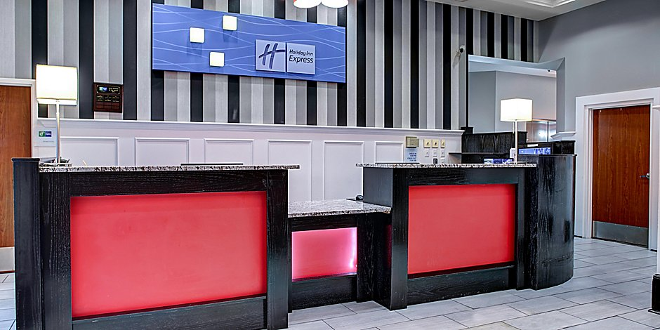 Holiday Inn Express & Suites Pittsburgh-South Side Hotel by IHG