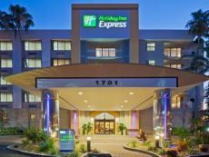 Holiday Inn Express & Suites Ft. Lauderdale-Plantation in Hollywood, Florida