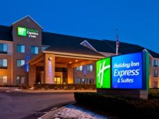 Holiday Inn Express & Suites Pleasant Prairie / Kenosha in Pleasant Prairie, Wisconsin
