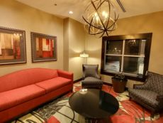 Holiday Inn Express & Suites Plymouth - Ann Arbor Area in Romulus, Michigan