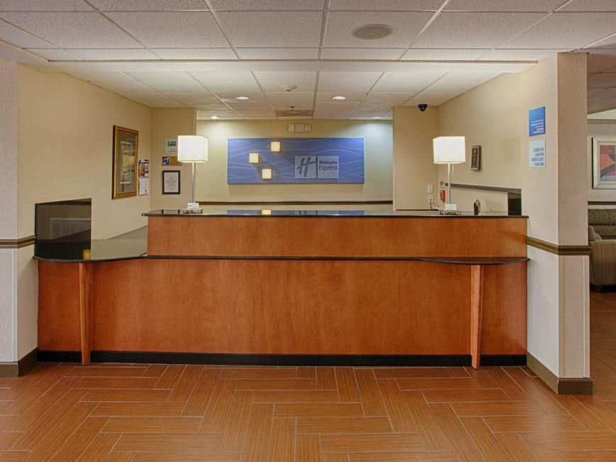 Welcome to the Holiday Inn Express Port Charlotte