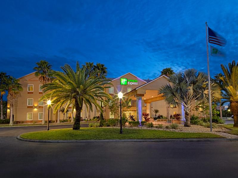 Welcome to our relaxing Port Charlotte, FL hotel