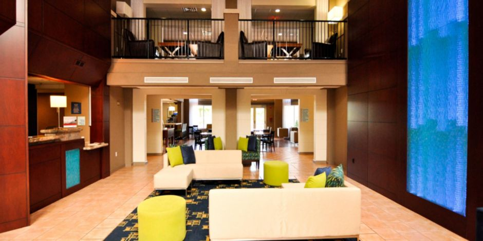 Holiday Inn Express Suites Port Clinton Catawba Island