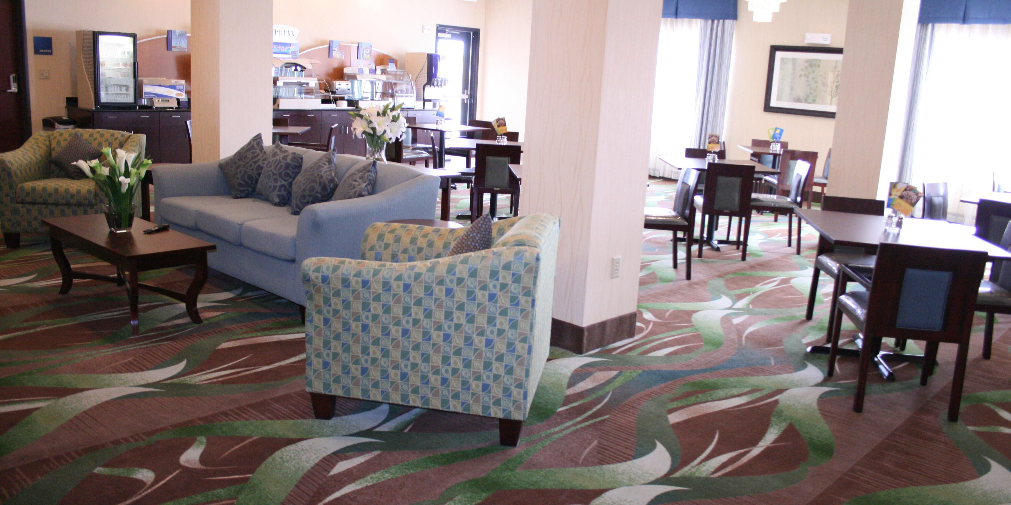 Holiday Inn Express And Suites Pratt 2532323492 2x1