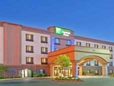 Holiday Inn Express & Suites Puyallup (Tacoma Area) in Lakewood, Washington