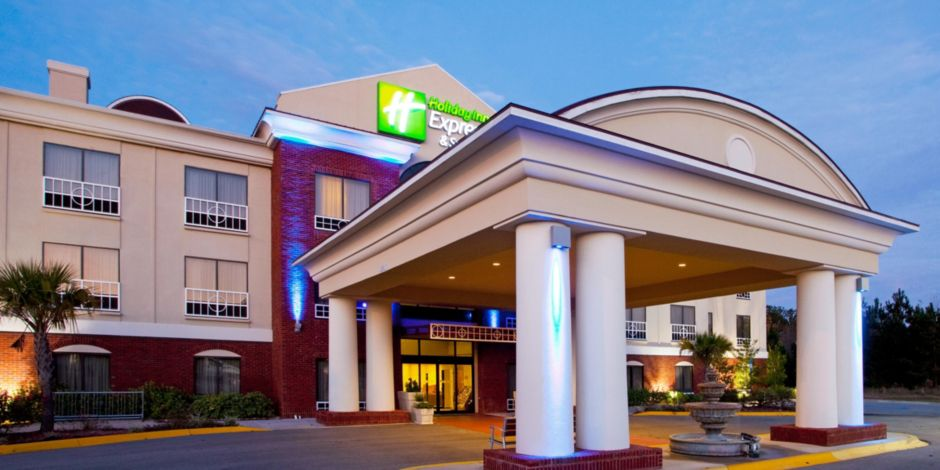 Holiday Inn Express Suites Quincy I 10