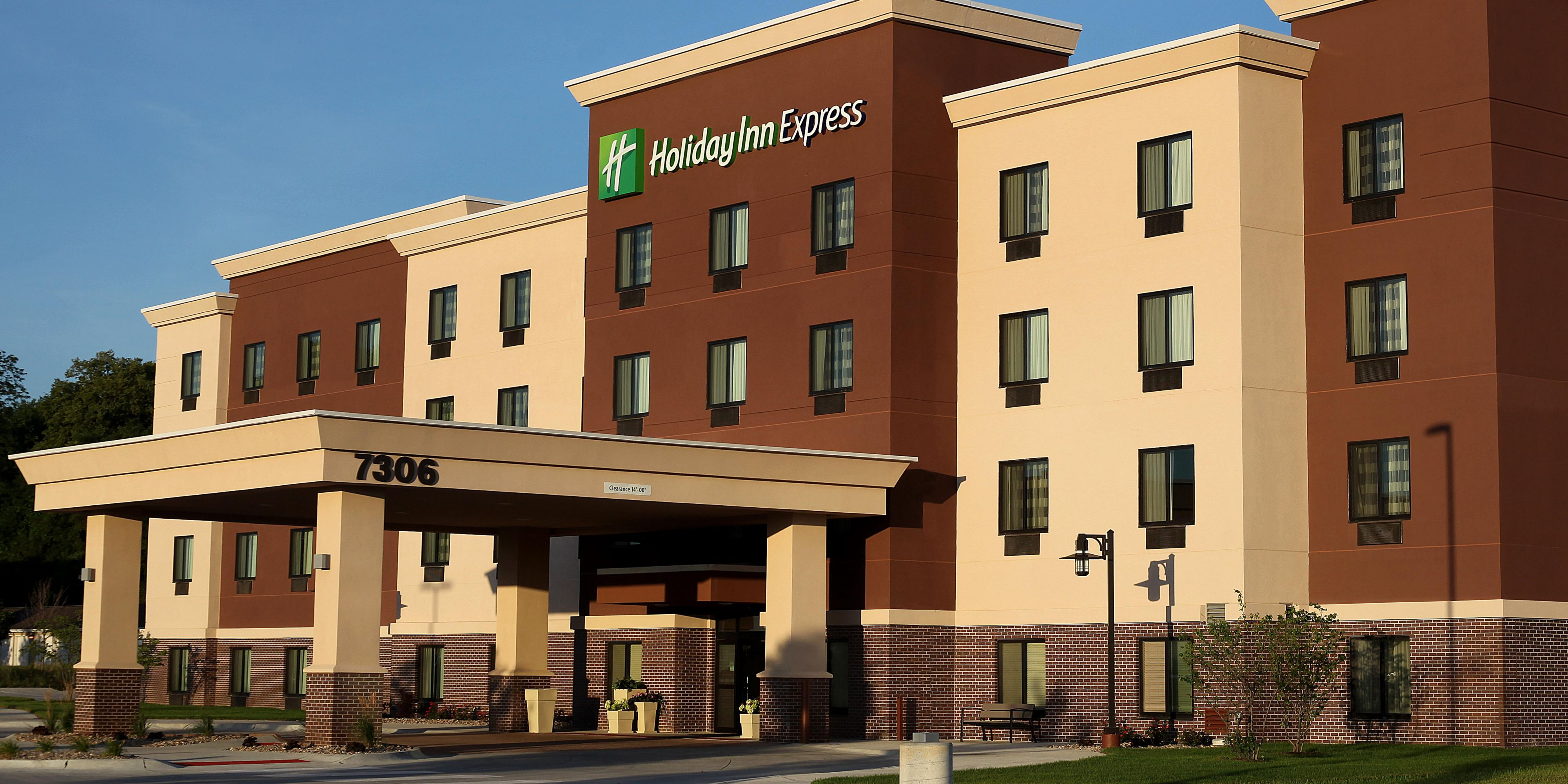Book Holiday Inn Express Suites Omaha Millard Area In