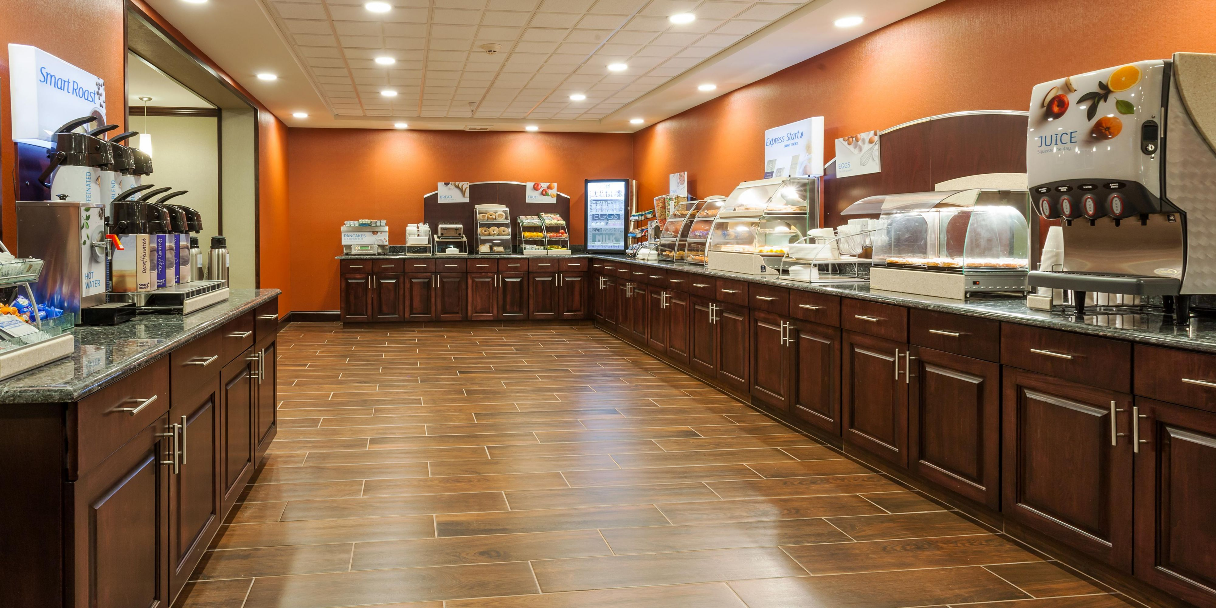 Holiday Inn Express And Suites Rapid City 2946863173