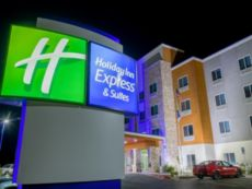 Holiday Inn Express & Suites Raymondville in Harlingen, Texas