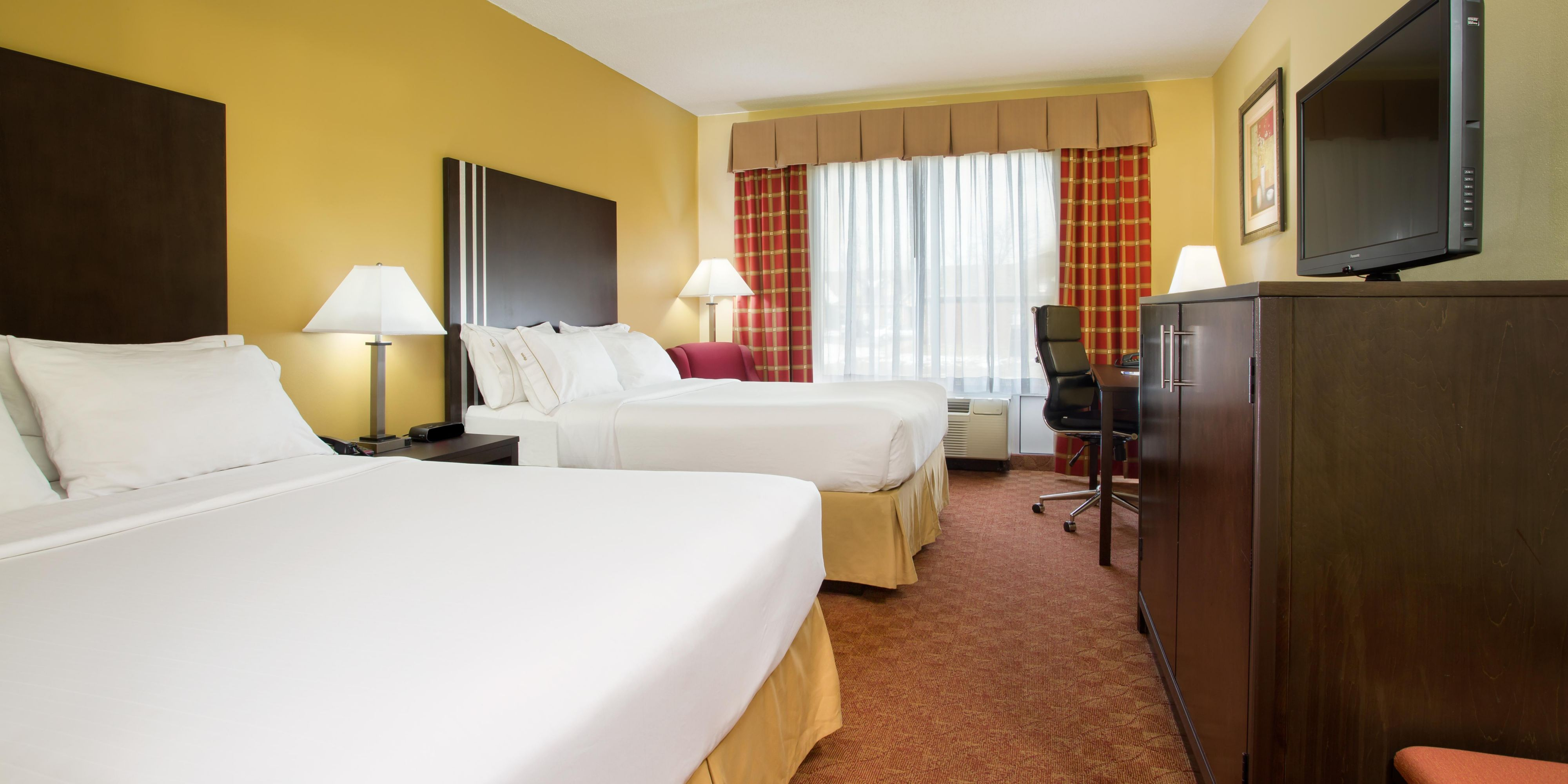 Holiday Inn Express And Suites Richmond 4077330310 2x1
