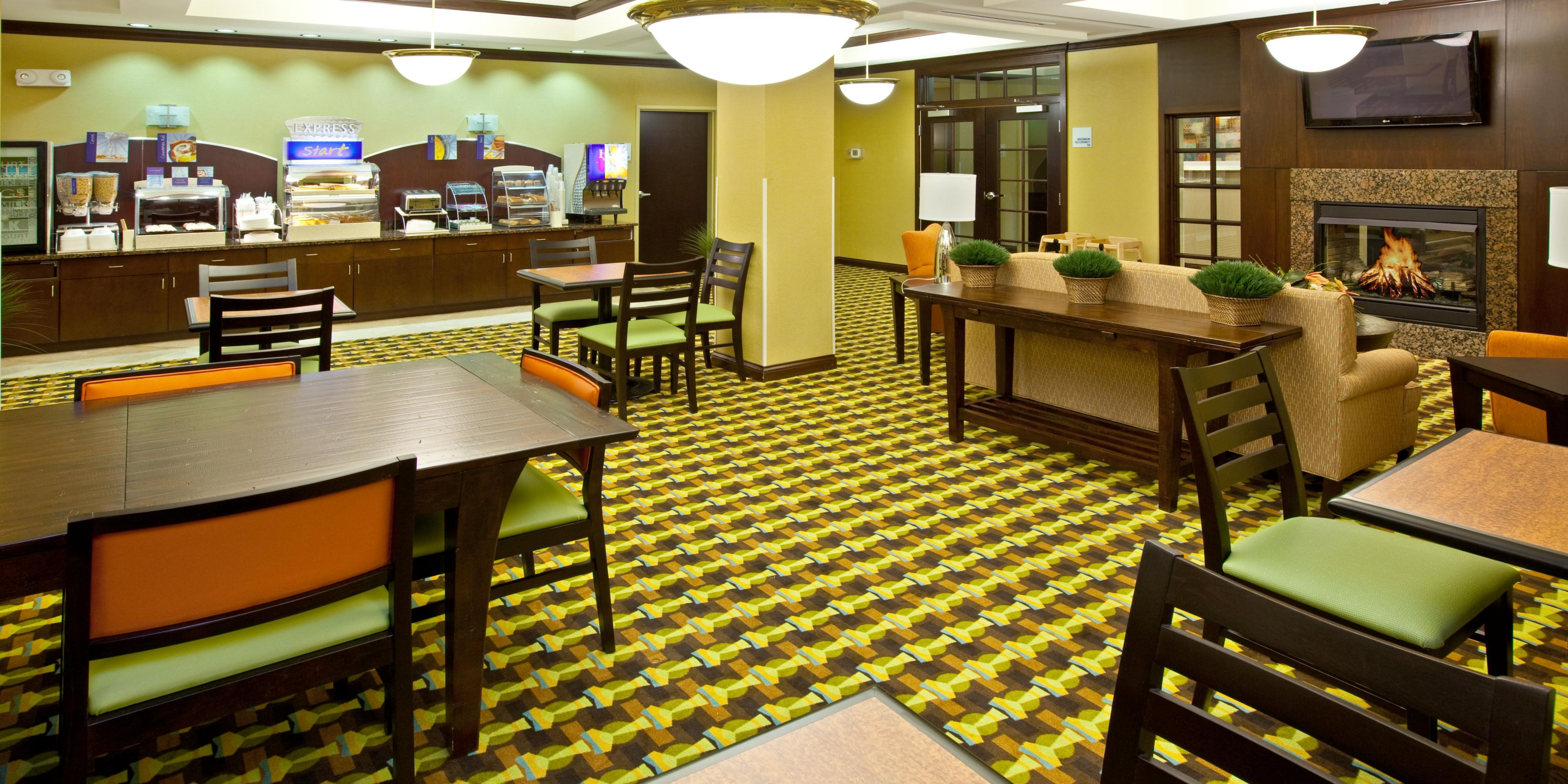 Holiday Inn Express And Suites Richwood 2532198752 2x1