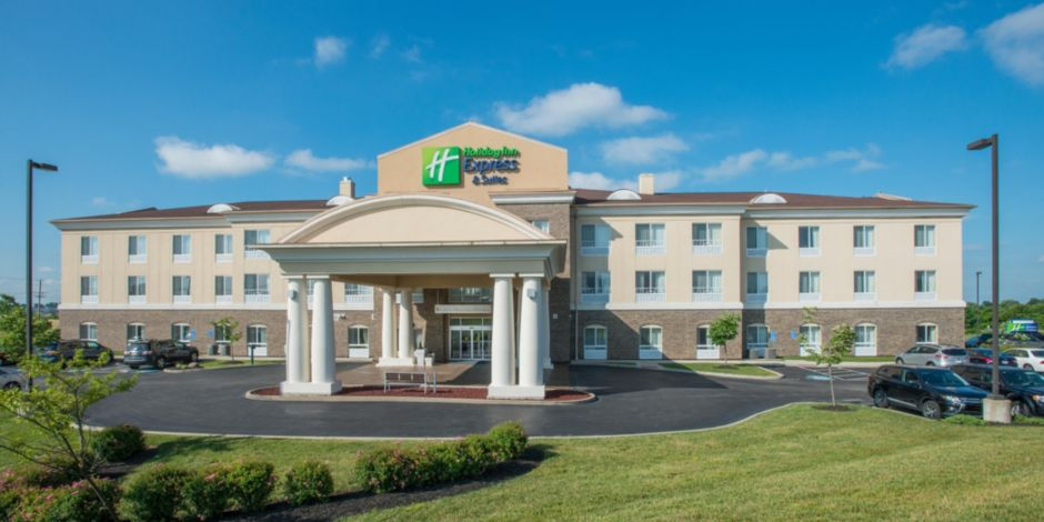 Holiday Inn Express Suites Richwood Kentucky Landscaped Entrance