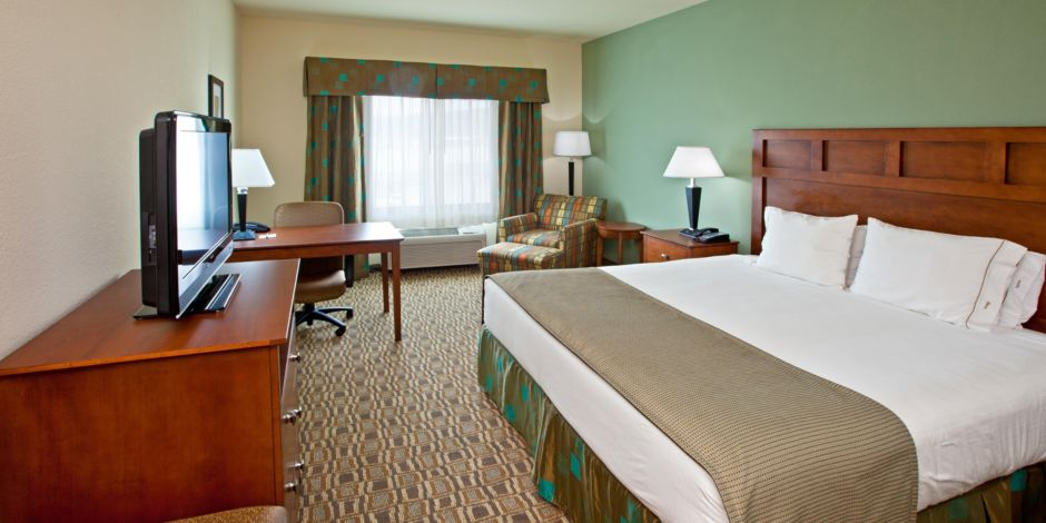 Holiday Inn Express Suites Ripley Wv King Bed Guest