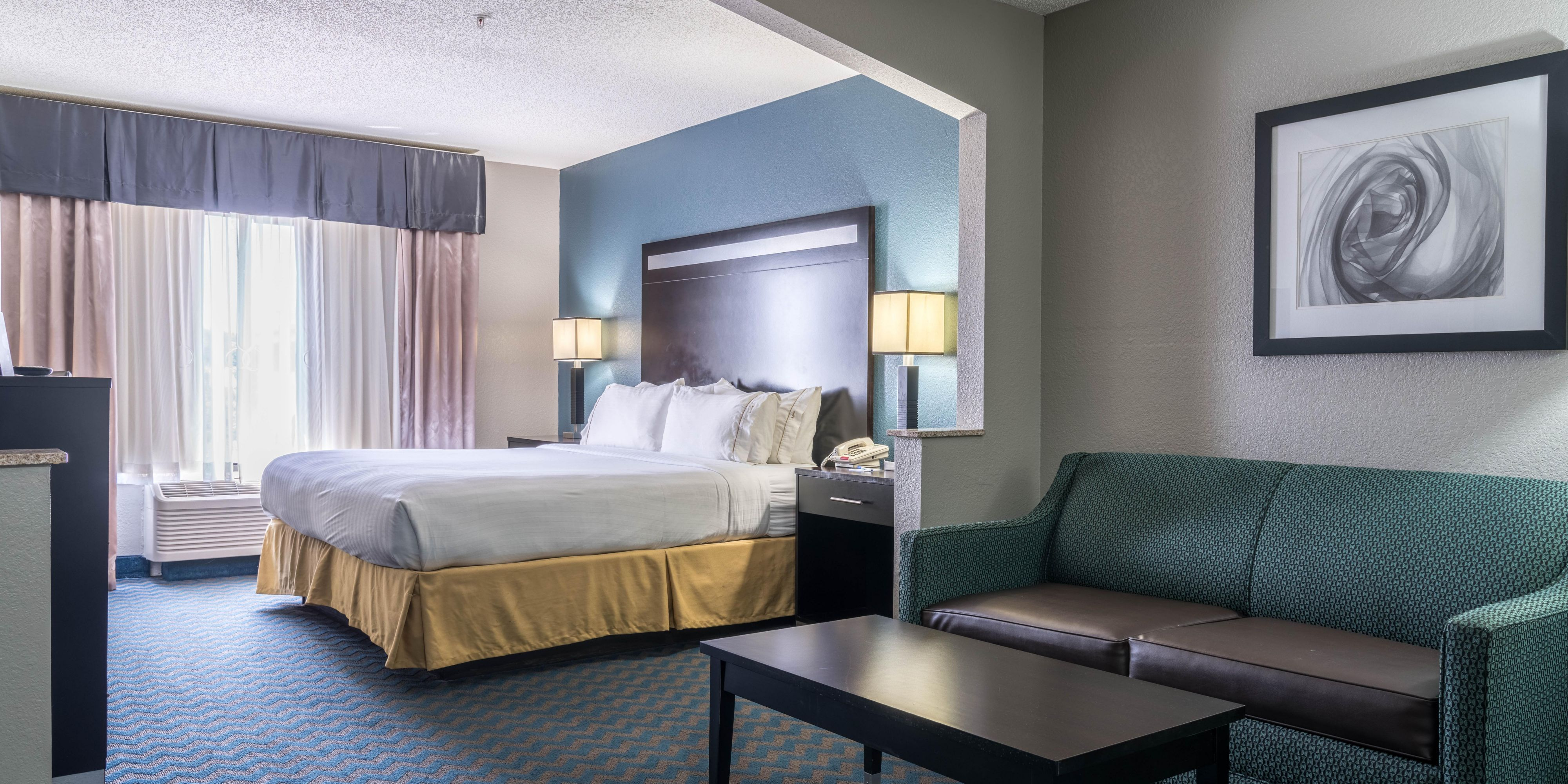 Holiday Inn Express And Suites Roanoke Rapids 5109207911