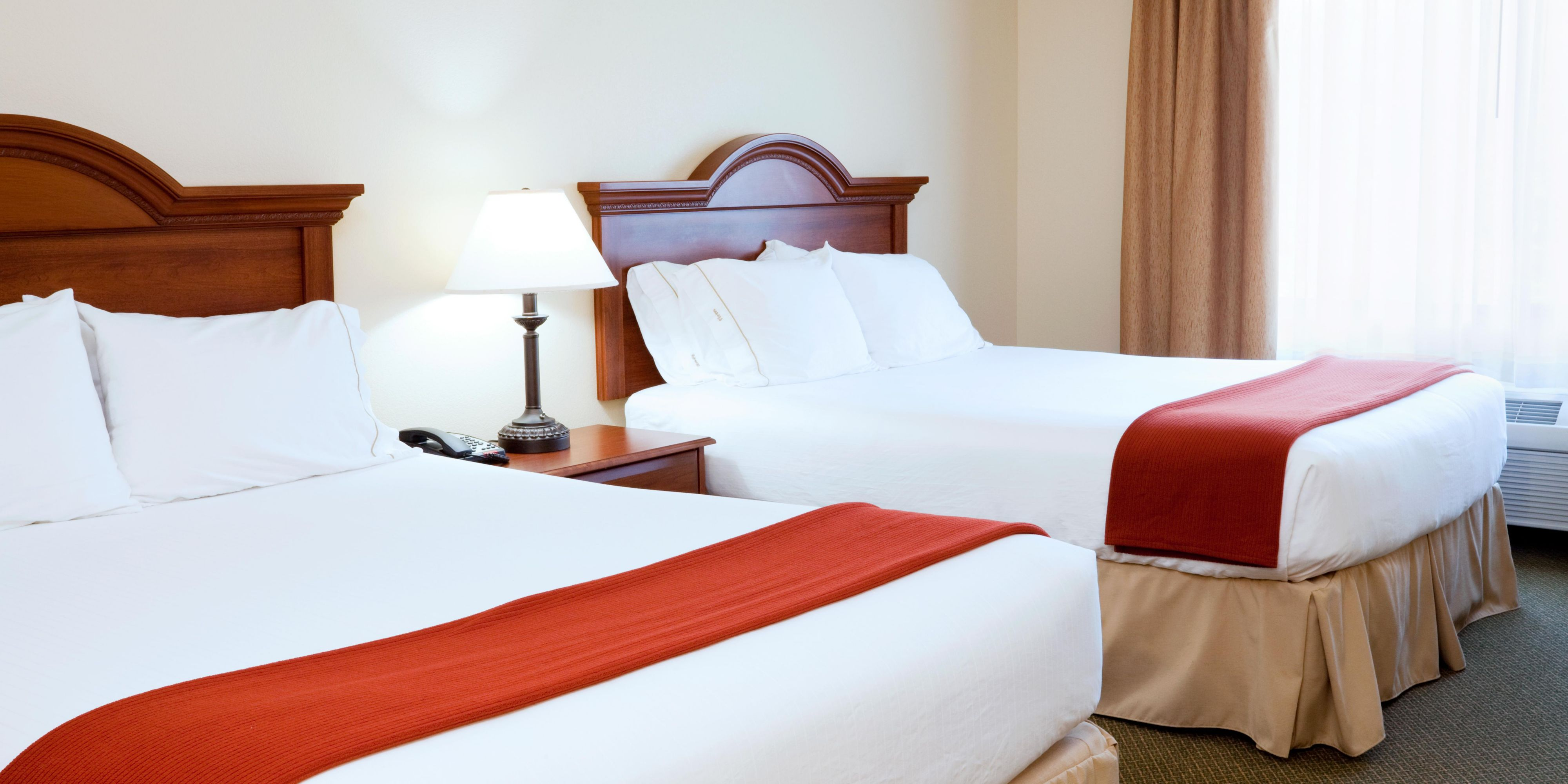 Holiday Inn Express & Suites Rocky Mount Smith Mtn Lake Hotel by IHG