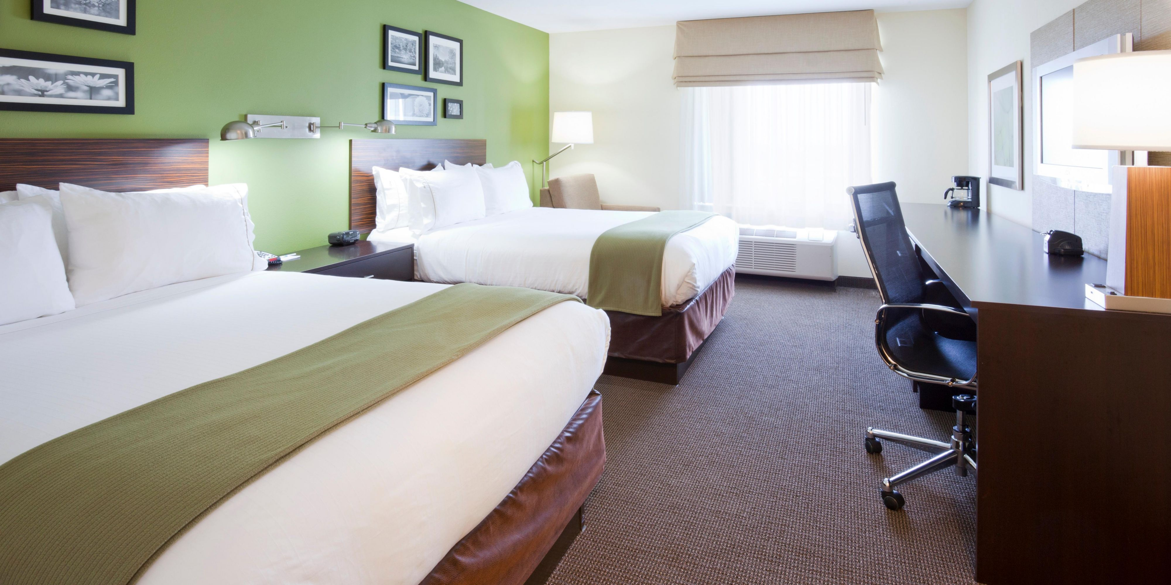 Holiday Inn Express And Suites Rogers 3523021081 2x1