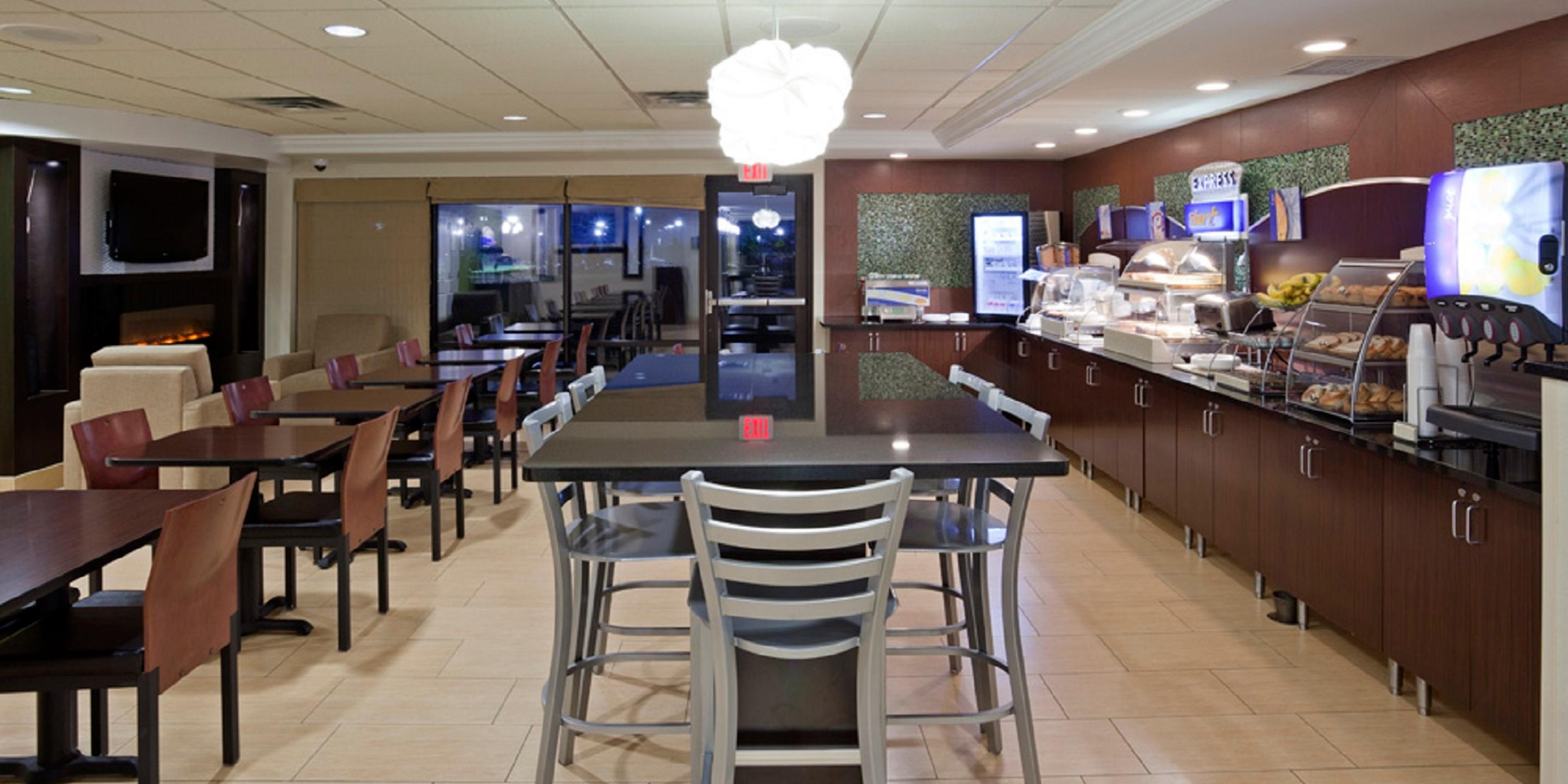 Holiday Inn Express Suites Rogers Hotel By Ihg