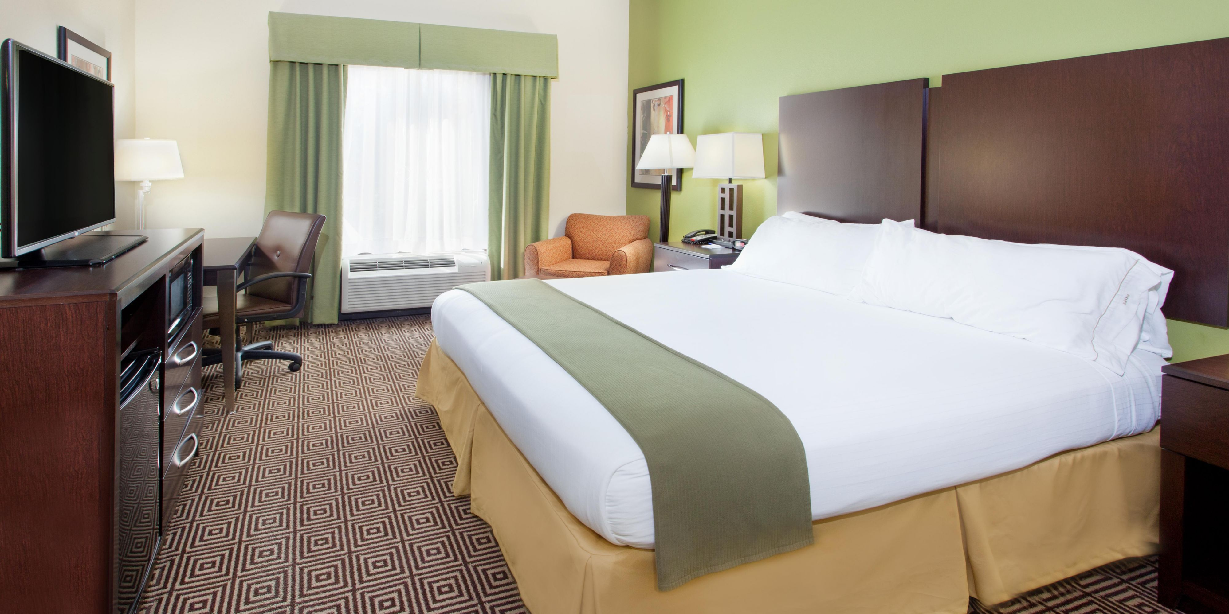 Holiday Inn Express And Suites Rome 3808535922 2x1