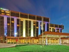 Holiday Inn Express & Suites Chicago O`Hare in Oakbrook Terrace, Illinois