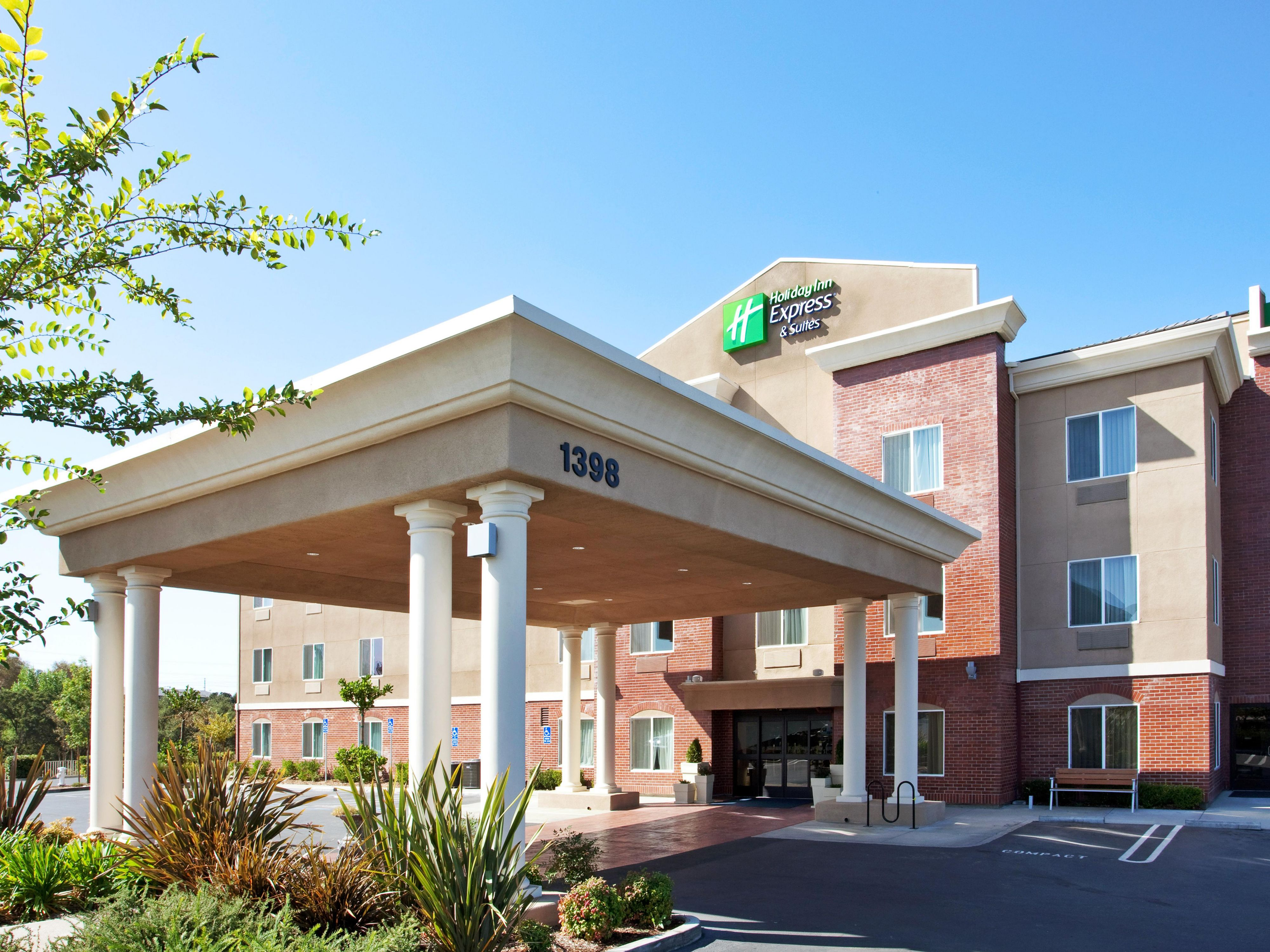 Watch the beautiful sunrise at The Holiday Inn Express Roseville
