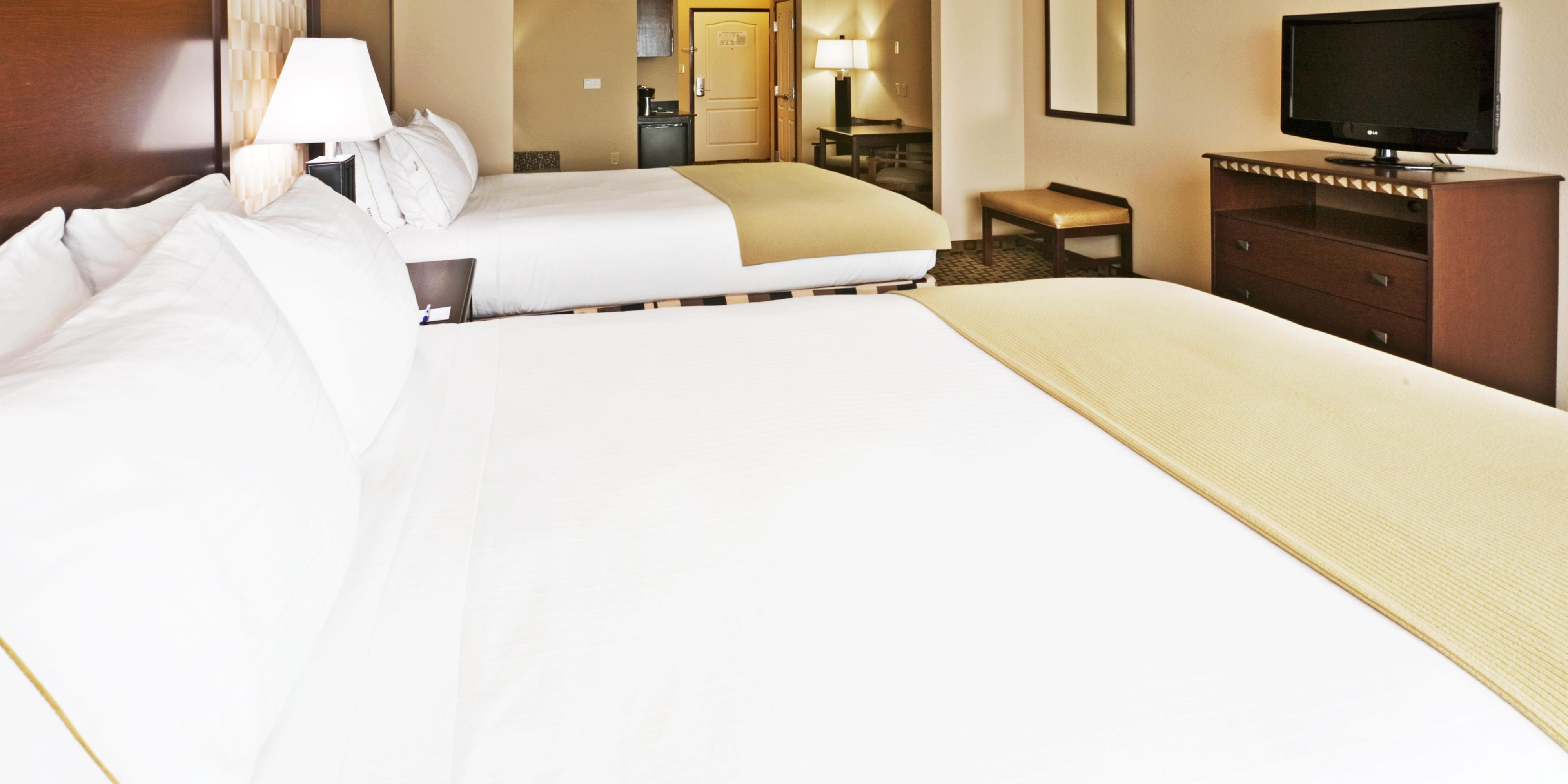 Holiday Inn Express & Suites Royse City Rockwall Hotel by IHG