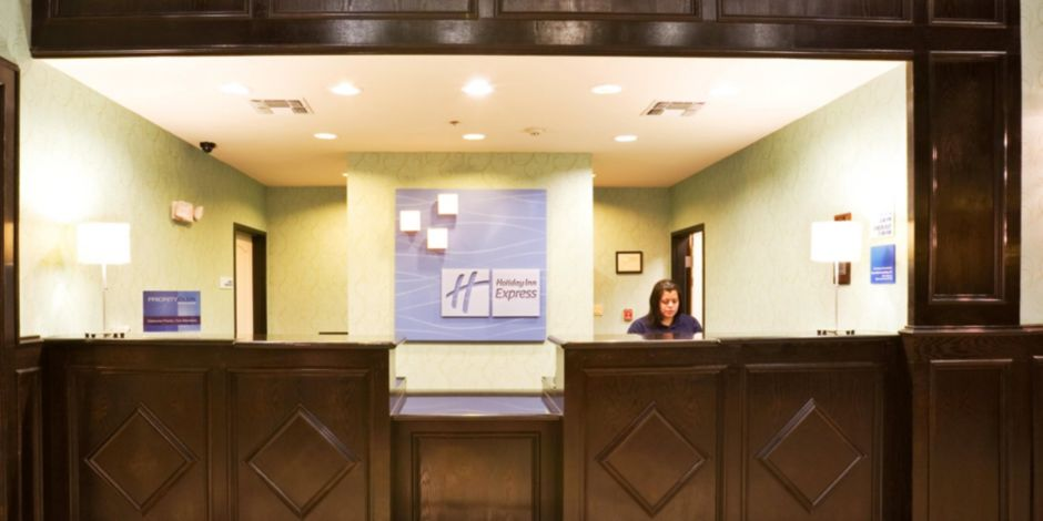 Holiday inn express suites royse city rockwall hotel by ihg front desk front desk reheart Image collections