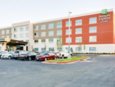 Holiday Inn Express & Suites Russellville in Clarksville, Arkansas