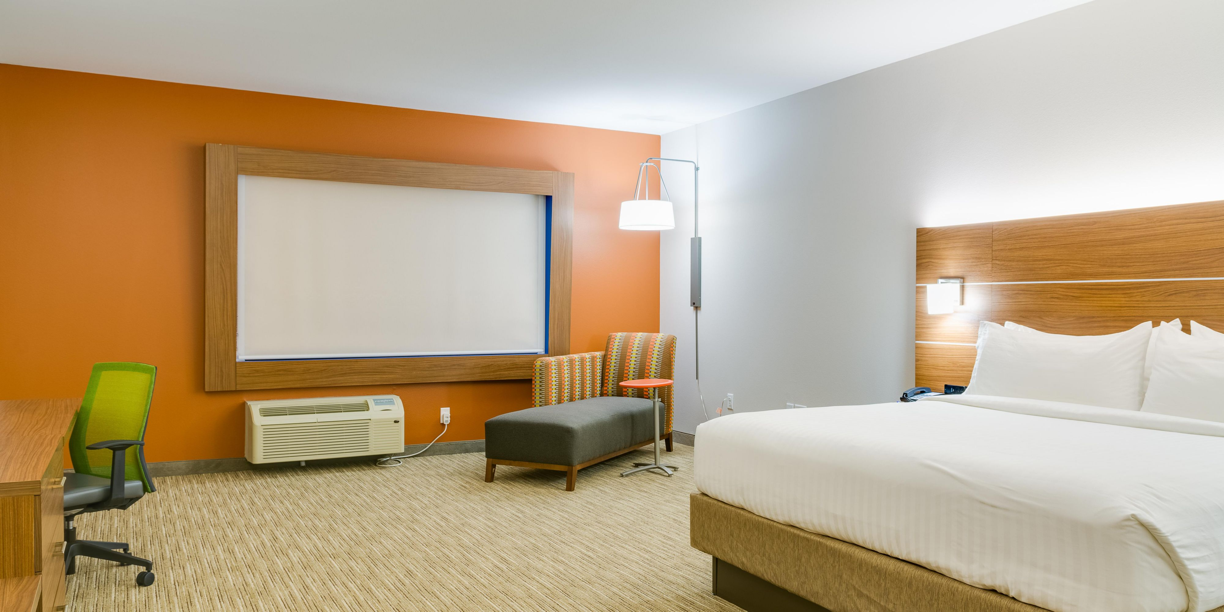 Holiday Inn Express And Suites Russellville 4820885072 2x1