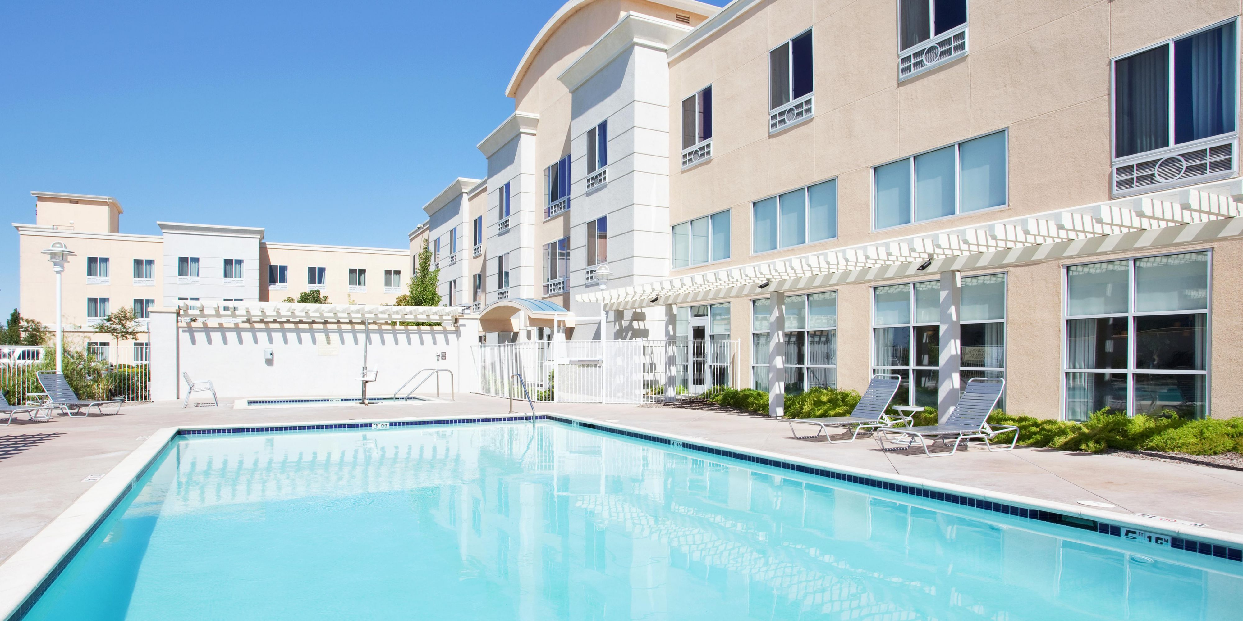 Holiday Inn Express & Suites Sacramento Airport Natomas Hotel by IHG