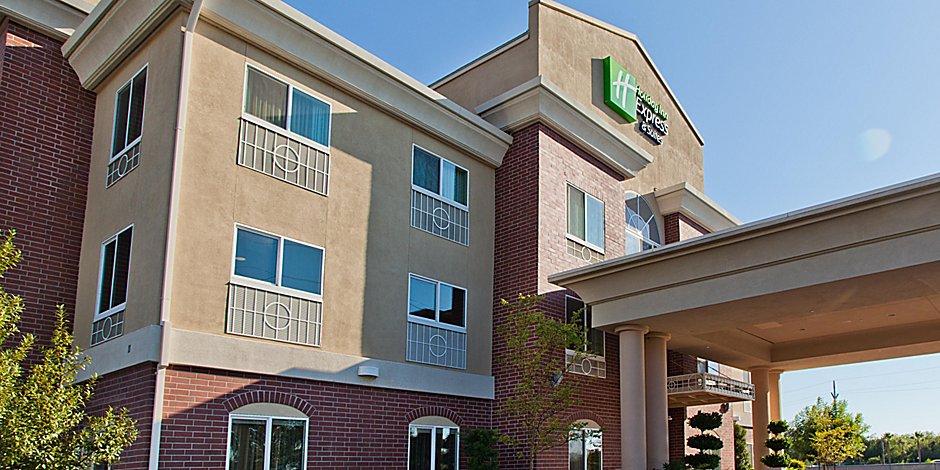 Holiday Inn Express & Suites Sacramento NE Cal Expo Hotel by IHG