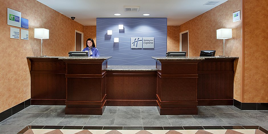 Holiday Inn Express & Suites Sacramento NE Cal Expo Hotel by IHG