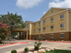 Holiday Inn Express & Suites San Antonio-Airport North in New Braunfels, Texas