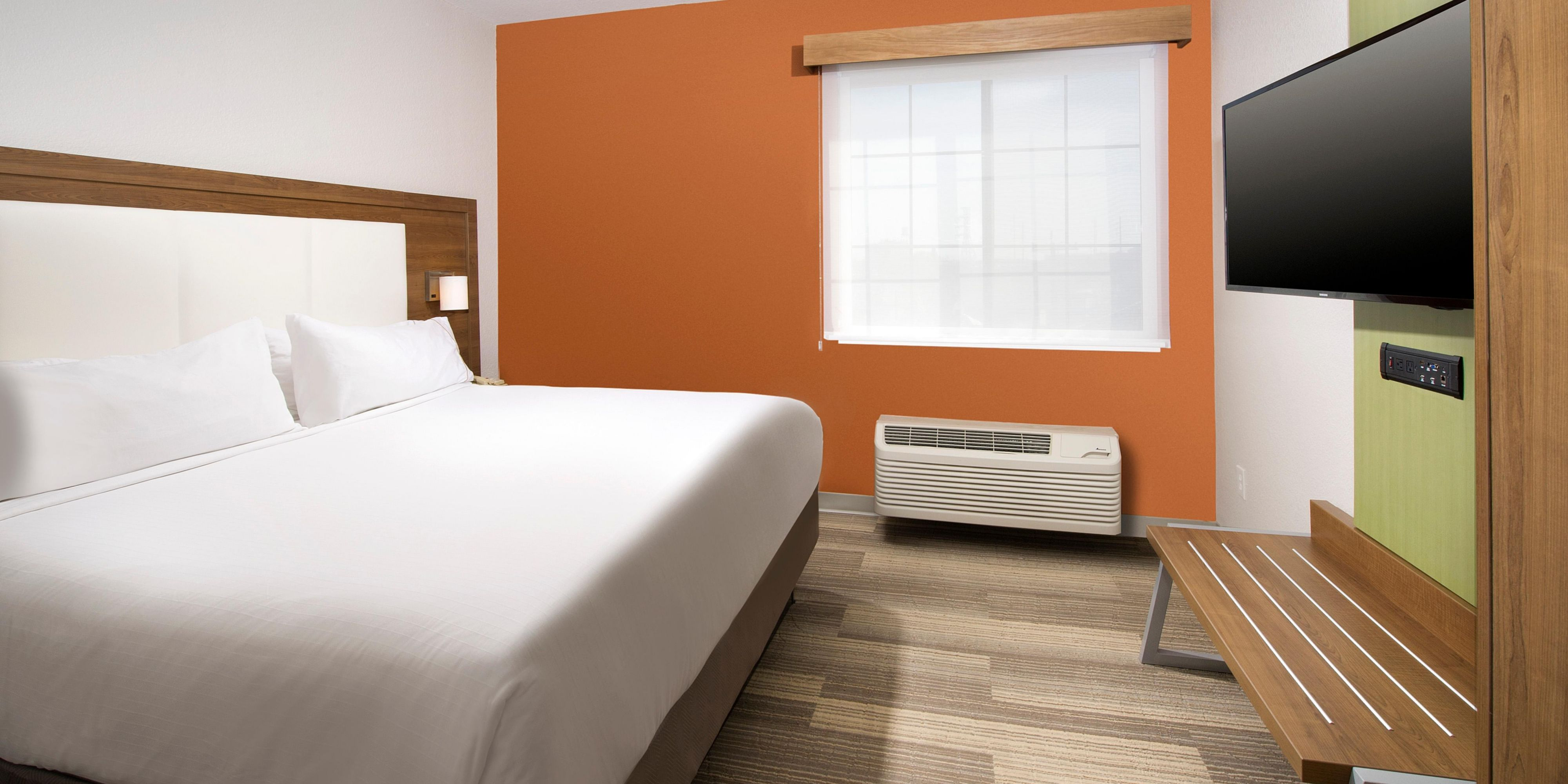 holiday inn express & suites san antonio-dtwn market area hotelihg