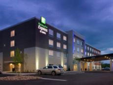 Holiday Inn Express & Suites San Antonio North - Windcrest in Seguin, Texas