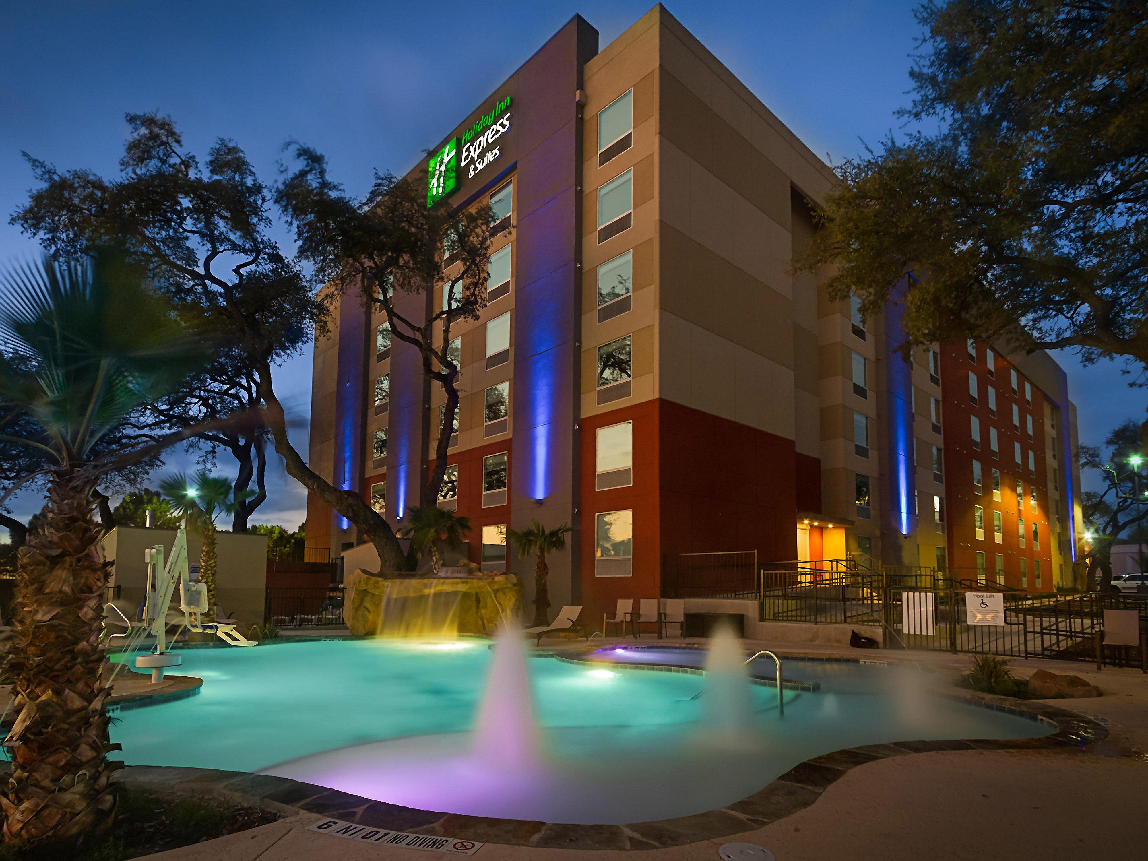 Holiday Inn Express & Suites San Antonio Medical Ctr North Hotel
