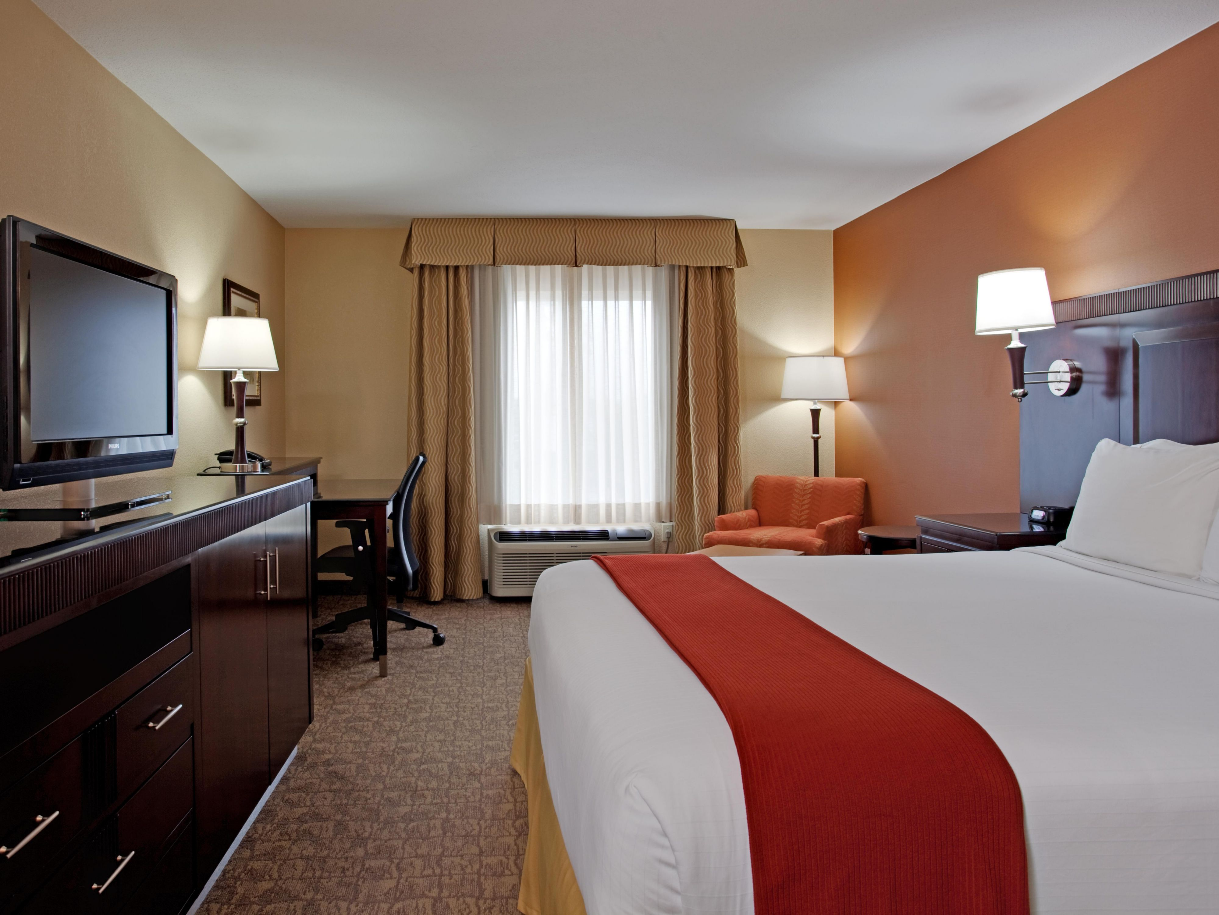 King Bed Guest Room can accommodate up to two guests.