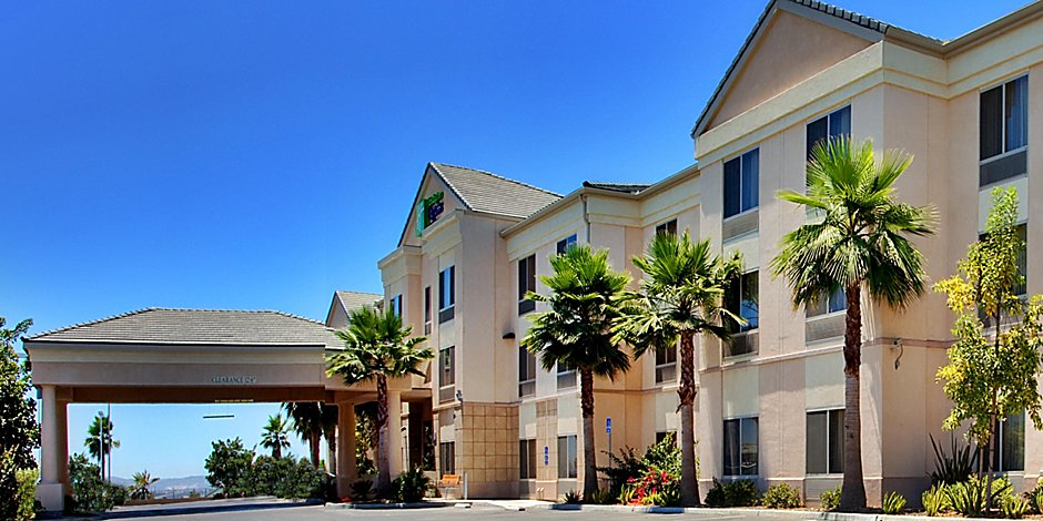 Otay Mesa Hotels | Holiday Inn Express & Suites San Diego Otay Mesa