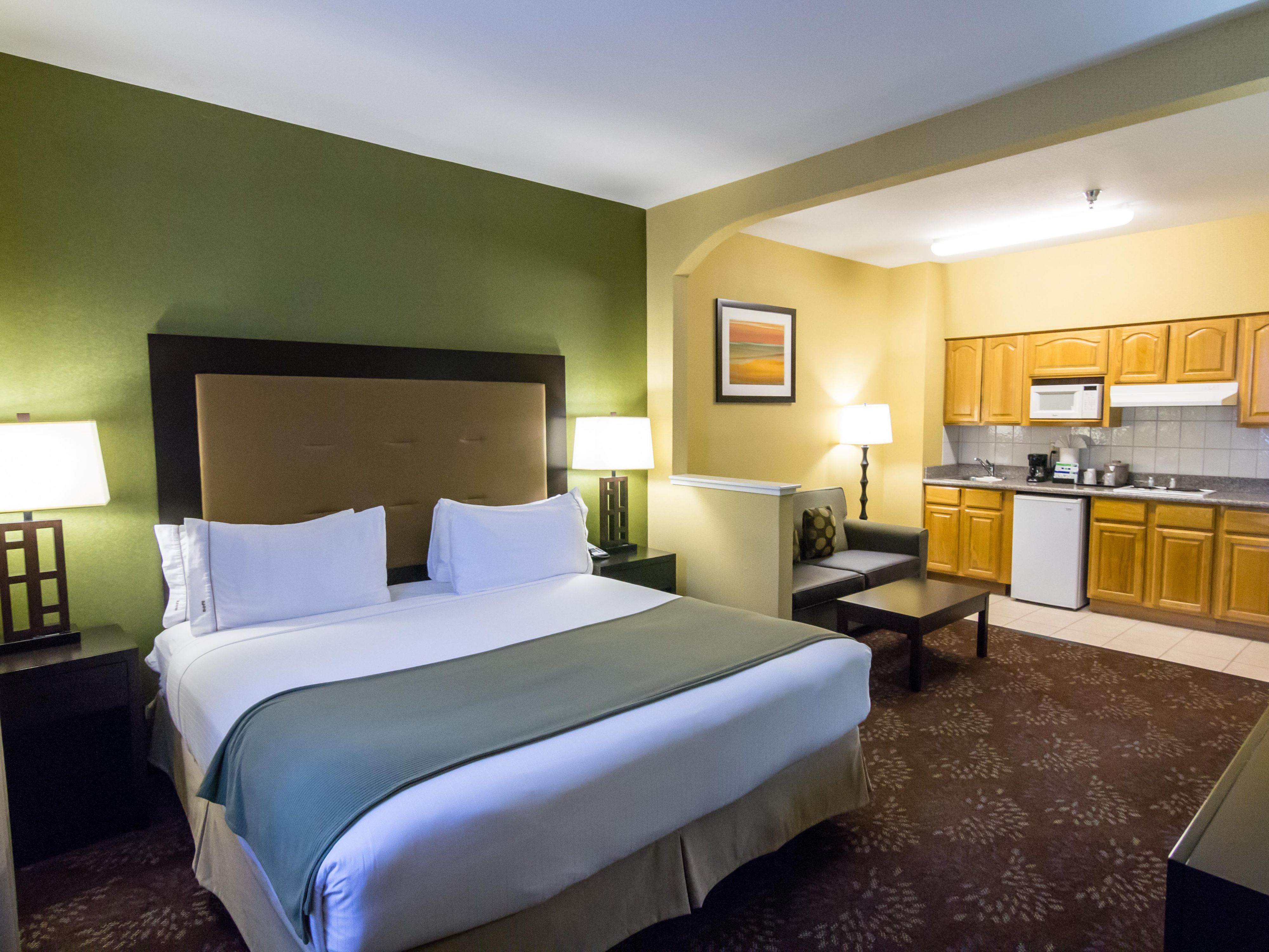 One King Kitchenette Suite San Jose