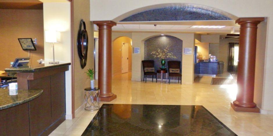 San Pablo Hotel Entrance Exterior Lobby
