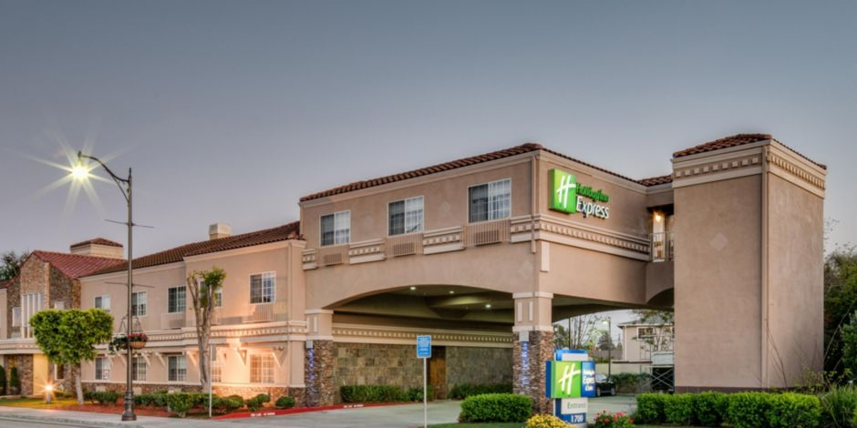 Holiday Inn Express   Suites Santa Clara Hotel by IHG b512eee365ca
