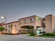 Holiday Inn Express & Suites Santa Clara in Morgan Hill, California