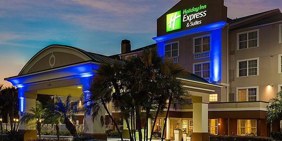 Astonishing Holiday Inn Express Suites Sarasota East I 75 Hotel By Ihg Theyellowbook Wood Chair Design Ideas Theyellowbookinfo