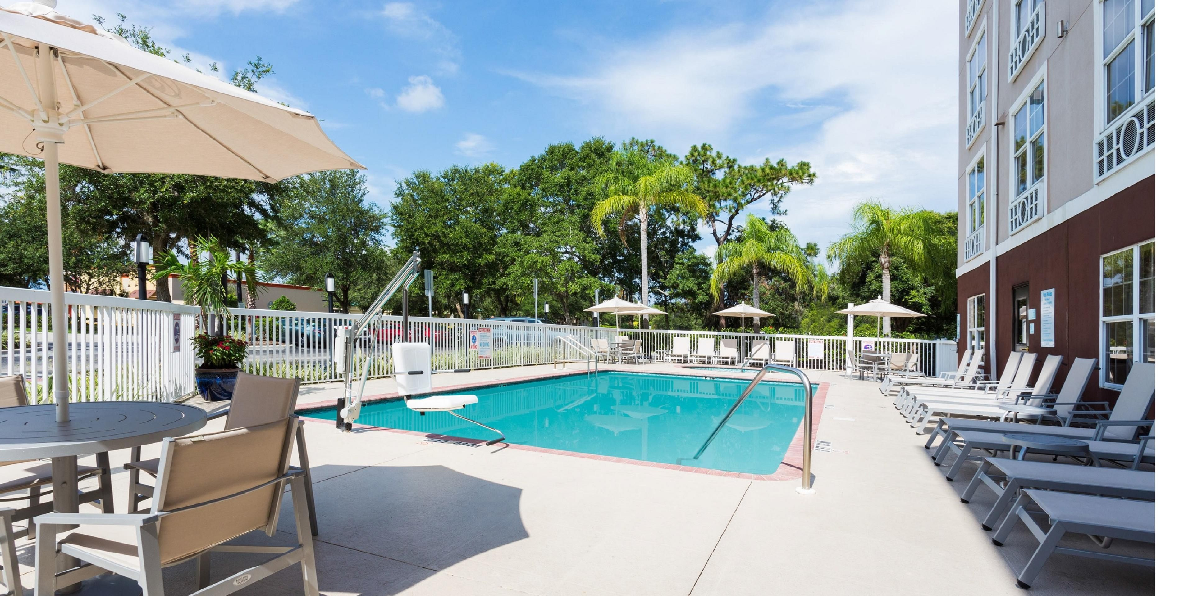 Holiday Inn Express & Suites Sarasota East - I-75 Hotel by IHG