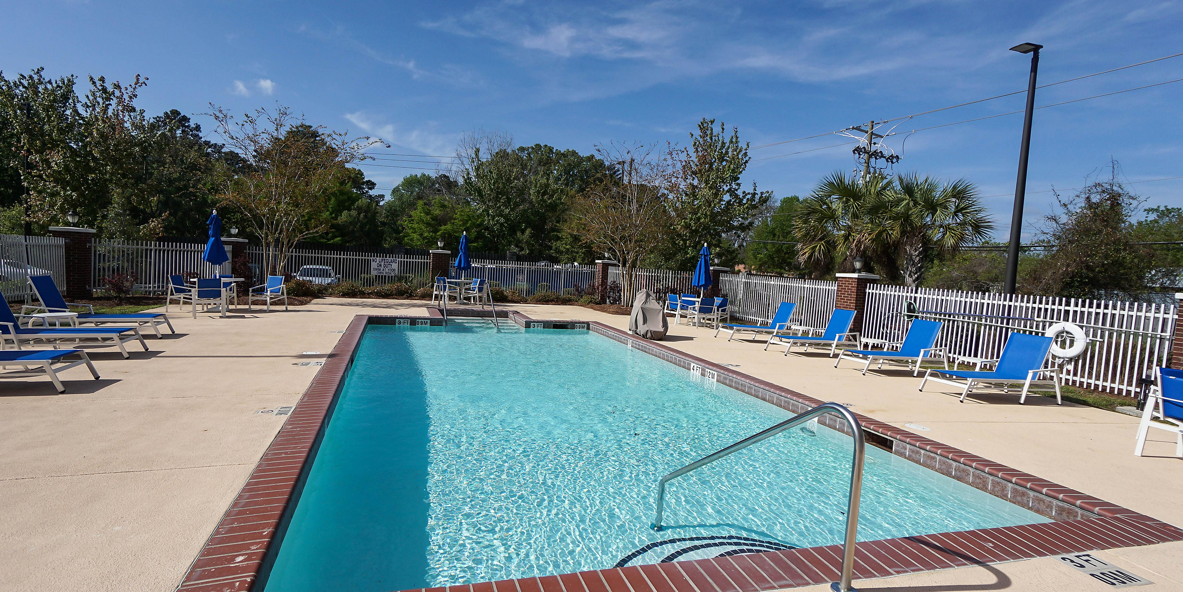 Holiday Inn Express & Suites Savannah - Midtown Hotel by IHG