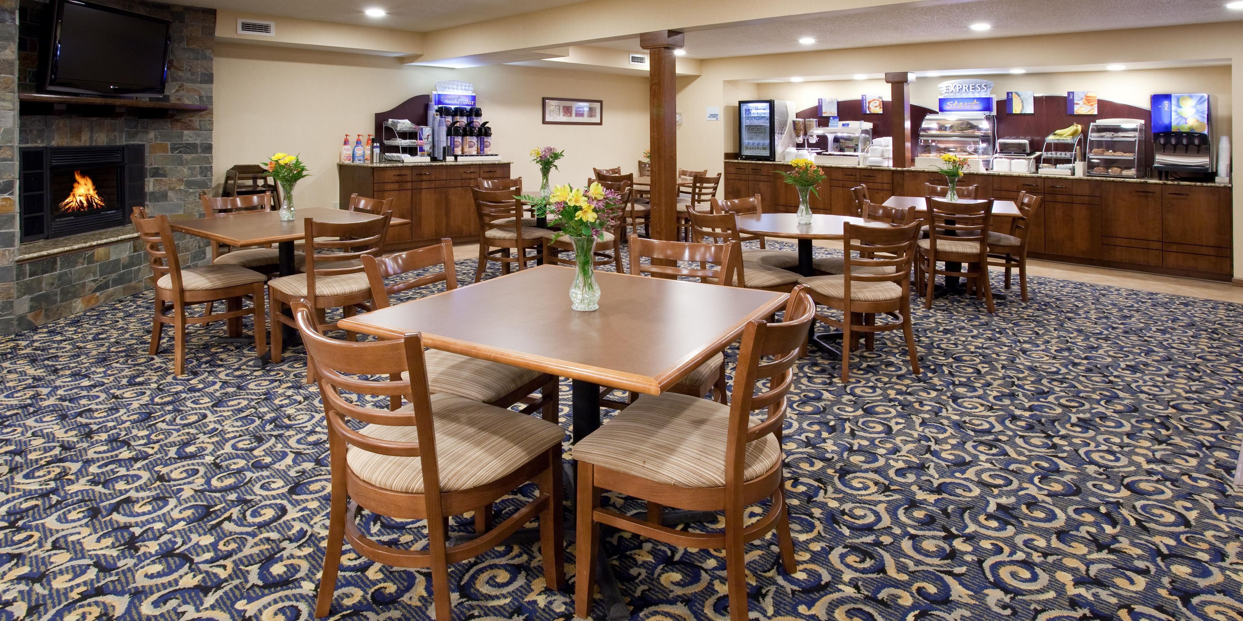 Holiday Inn Express And Suites Scottsbluff 2532419273 2x1