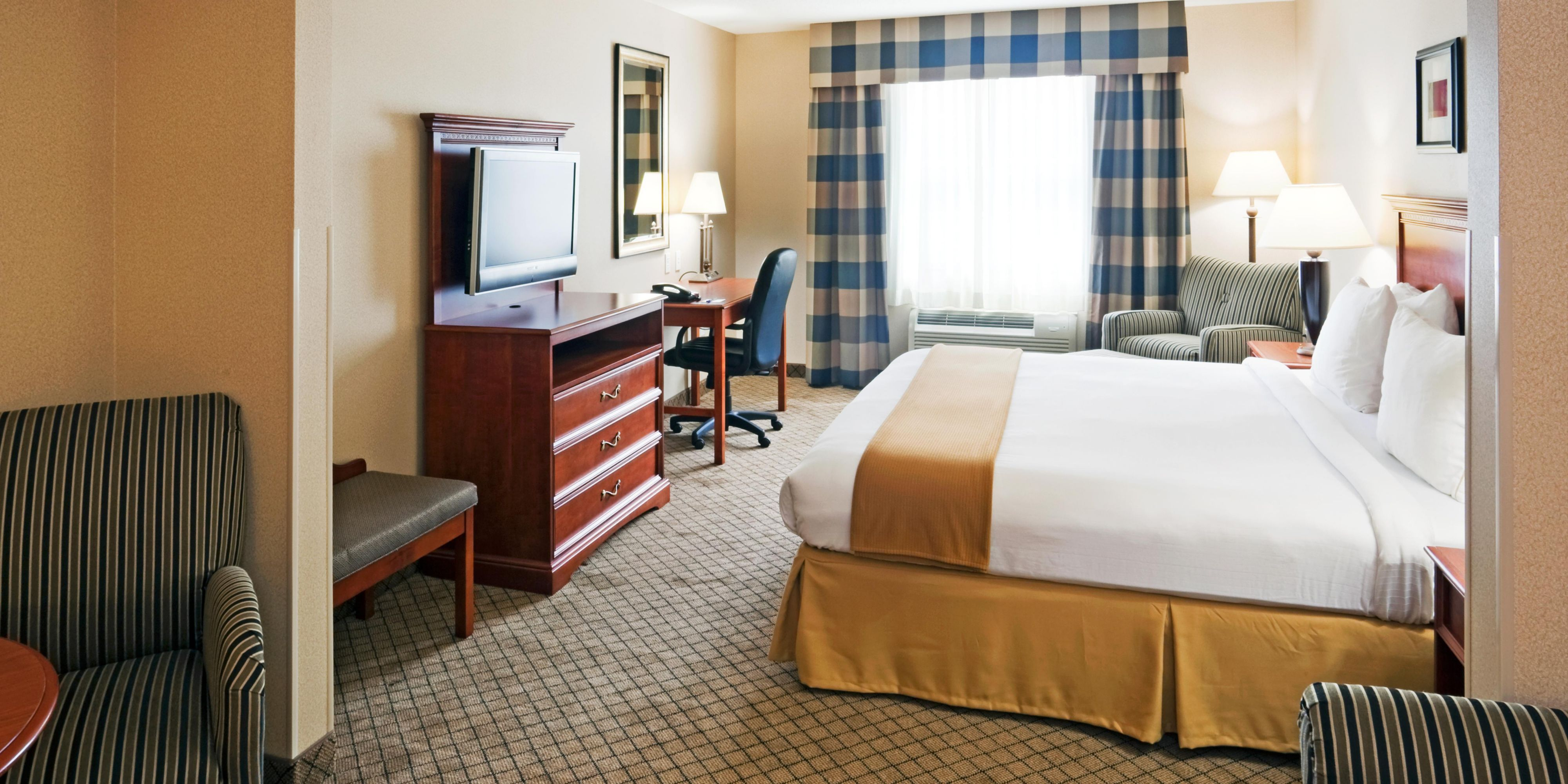 Holiday Inn Express And Suites Seabrook 2533367644 2x1