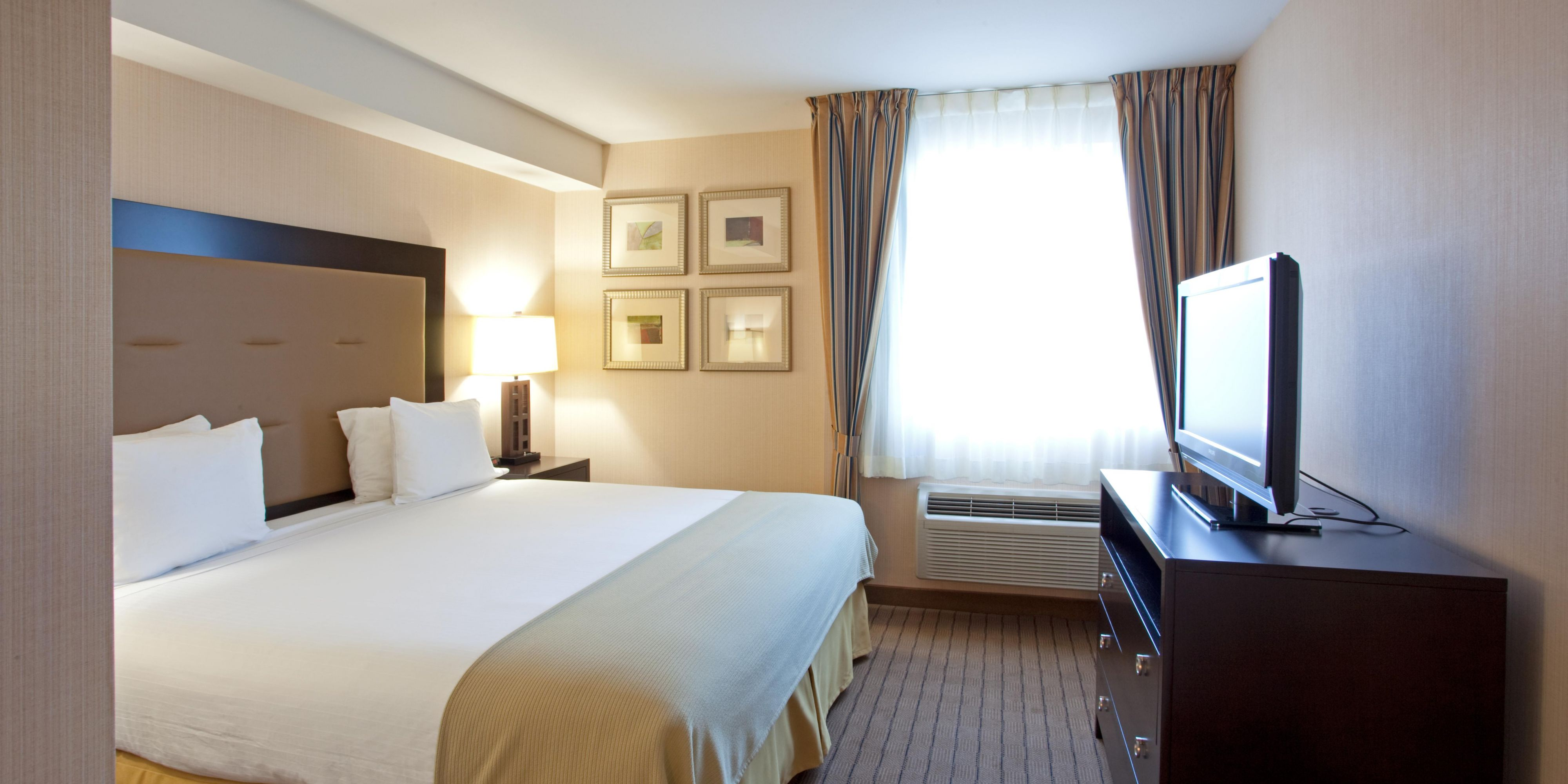 Holiday Inn Express And Suites Seatac 2533341699 2x1
