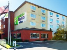 Holiday Inn Express & Suites North Seattle - Shoreline in Lynnwood, Washington