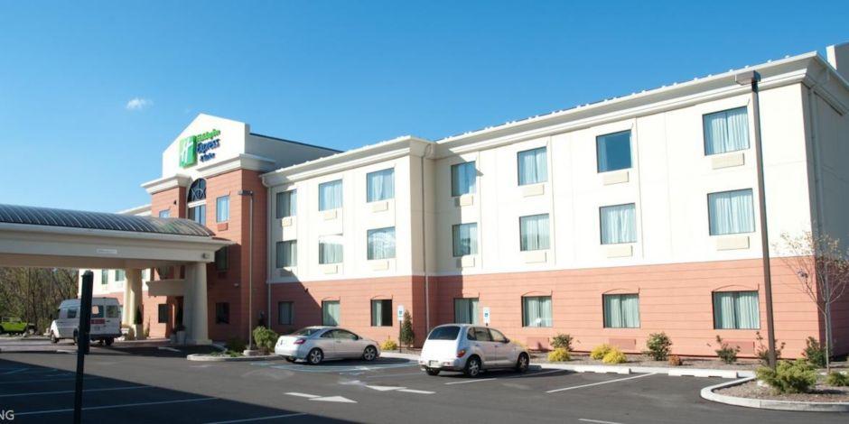 Entrance Hotel Exterior