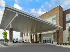 Holiday Inn Express & Suites St. Petersburg - Seminole Area in Clearwater, Florida